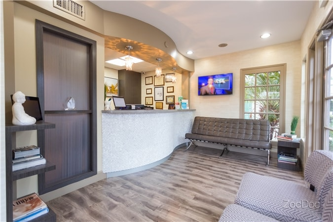 Pacific Dental Care Office Front 2